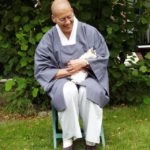 Jiun roshi with kitten Maja, 2003